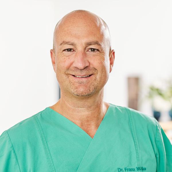 Dr. med.<br>Franz Müller