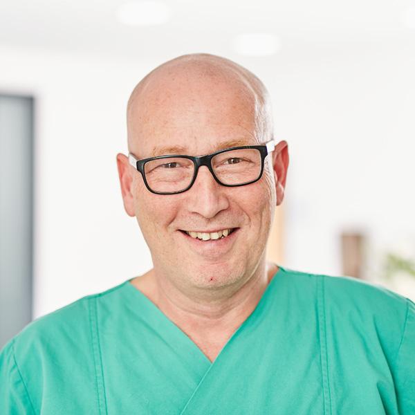 Dr. med. Dr. med. dent.<br>Mark Elsässer